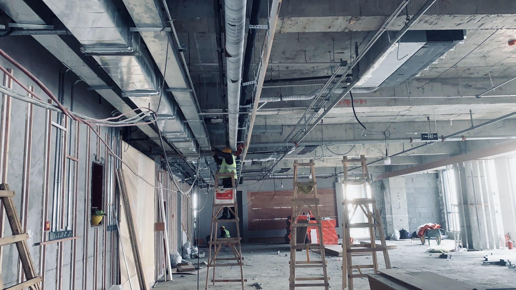 在建工地施工